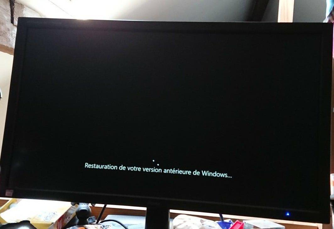 Restauration D Une Version Anterieure Bloquee Windows 10 Forums
